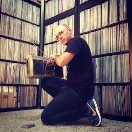 DJ UVE y su arsenal sonoro